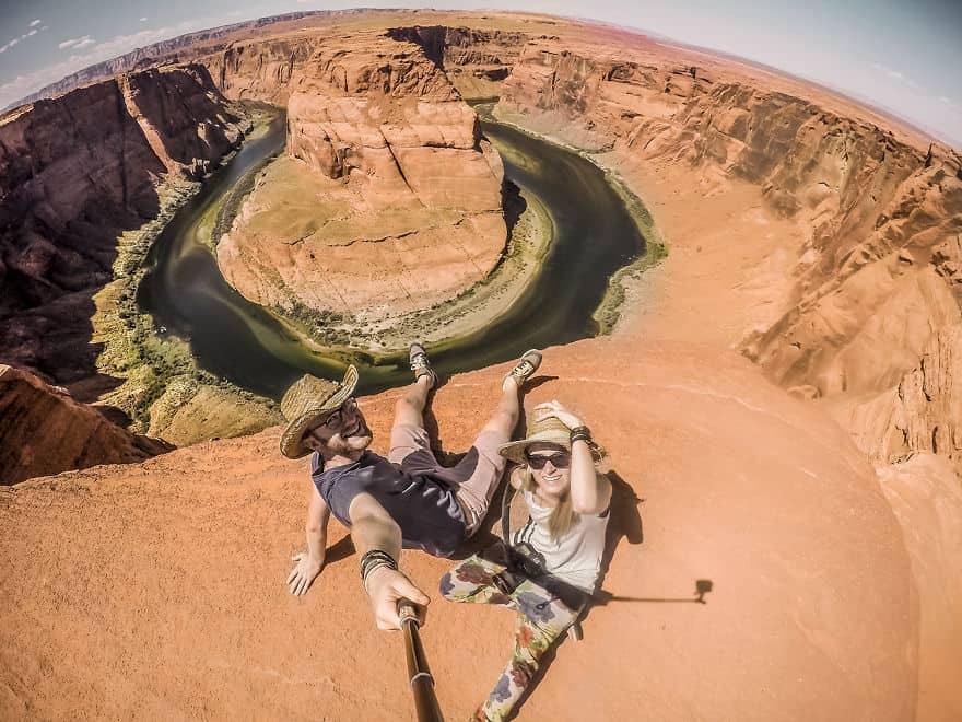Ταξιδεύοντας τον κόσμο με ένα βαν