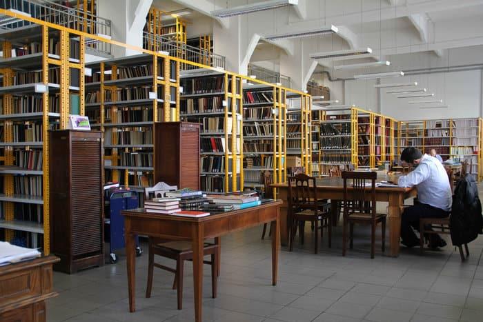 bibliothiki4