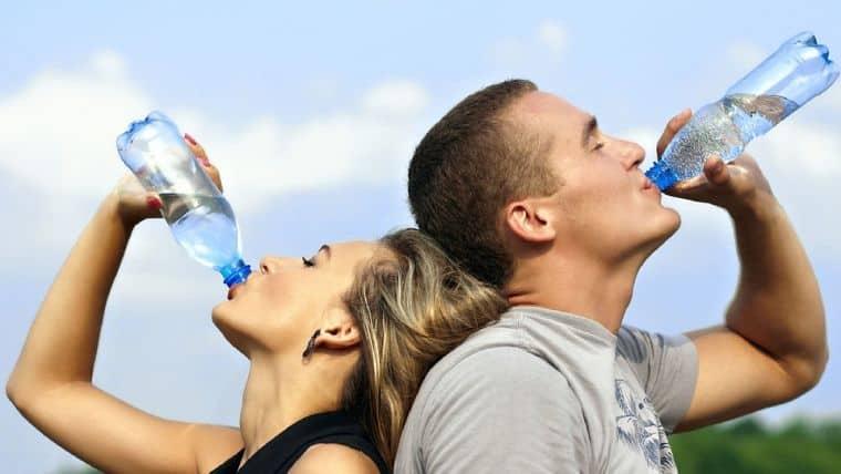 Ποια είναι τα σημάδια που στέλνει το σώμα μας όταν διψάει