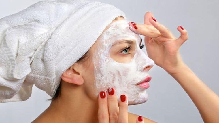 Η σωστή μάσκα προσώπου θα σε κάνει να λάμψεις | Δες πως να την επιλέξεις!