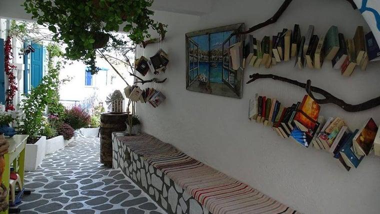 Ανοιχτή βιβλιοθήκη στην Κίμωλο