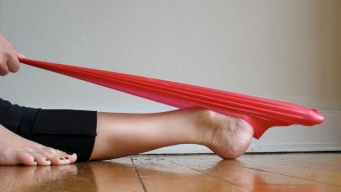 Πέντε ασκήσεις στα πέλματα για τους πόνους στην μέση, τους γοφούς και τα γόνατα
