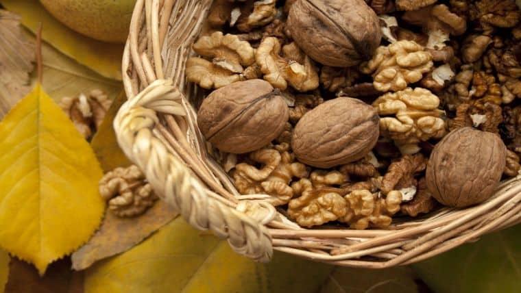 4 τροφές που πρέπει να τρώτε για να γλυτώσετε την εποχιακή κατάθλιψη