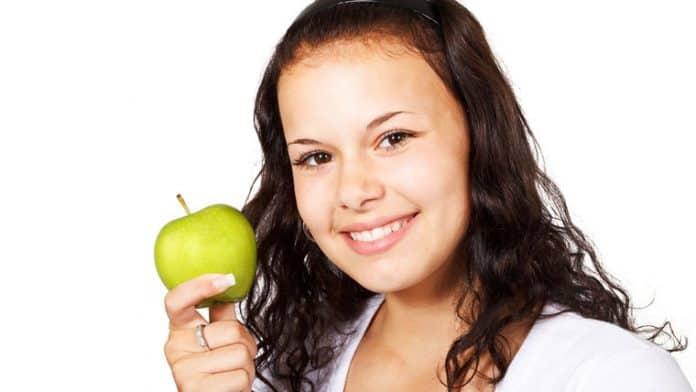 Η διατροφή σχετίζεται με την υγεία των μαλλιών - Της Βιολέτα Τζεμολλάρι