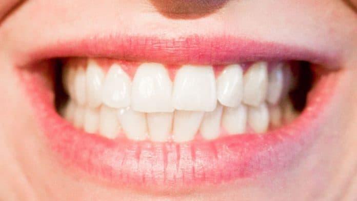 Φτιάξτε οδοντόπαστα στο σπίτι με φυσικά υλικά