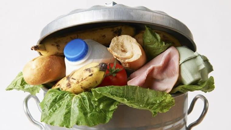 Ε.Ε. | 88 εκατομμύρια τόνοι τροφίμων καταλήγουν ετησίως στα σκουπίδια