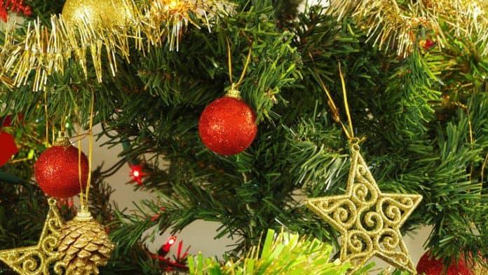 Φυσικό ή τεχνητό χριστουγεννιάτικο δέντρο;