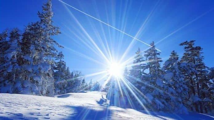 Της Βικτώριας Καρυπίδου - Είστε το ακτινοβόλο, λαμπερό, απεριόριστο ον, ον του φωτός και μέσα σας υπάρχει η χαρά.