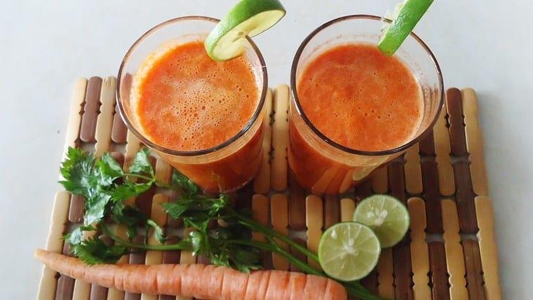 12 εύκολα καλοκαιρινά smoothies | Tης Χριστίνα Χασίζα