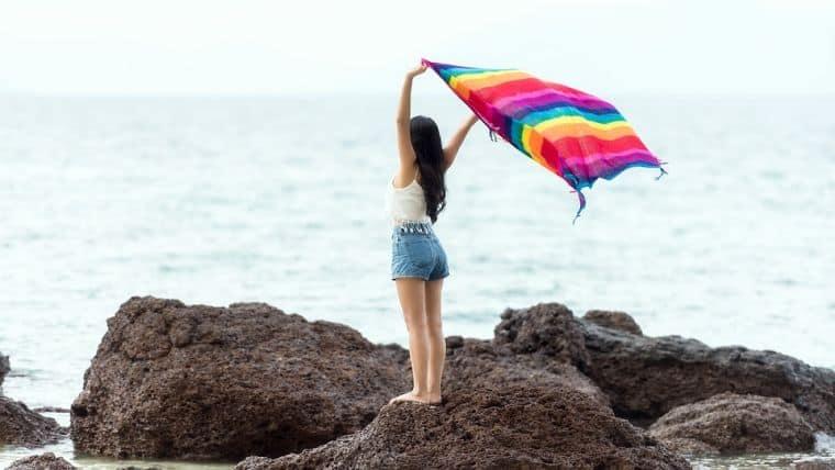 «Λίγο βούτυρο για το έγκαυμα» και άλλοι μύθοι για το καλοκαίρι