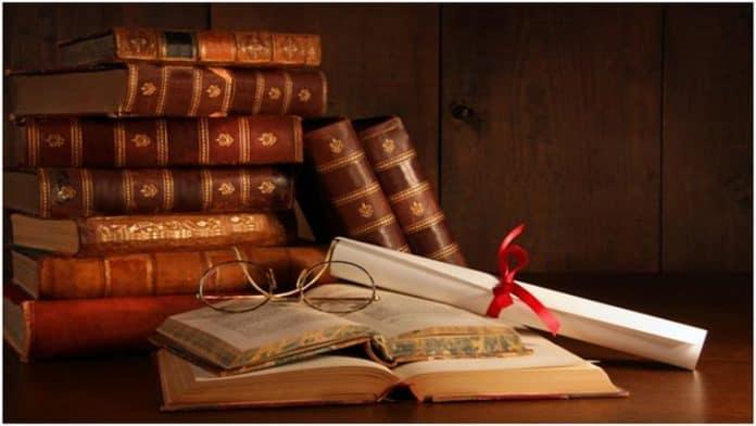 Η προσφορά των βιβλίων στη ζωή μου - της Μαρίας Σκαμπαρδώνη