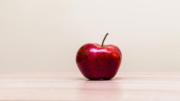 Ένα μήλο την ημέρα τον γιατρό τον κάνει πέρα - της Ιωάννας Μουζακίτη