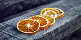 Πώς αποξηραίνουμε φέτες πορτοκαλιού και πώς μπορούμε να τις χρησιμοποιήσουμε