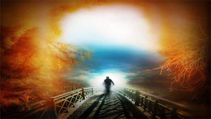 Προβλέψεις Απριλίου 2018 | Ο Χείρωνας Αλλάζει Ζώδιο! - του Βαγγελη Πετρίτση, PhD