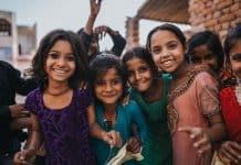 «Μάθημα ευτυχίας» μπαίνει στα δημόσια δημοτικά σχολεία της Ινδίας