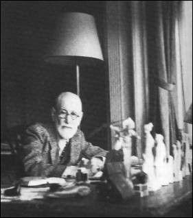 Sigmund Freud & Άγγελος Κατακουζηνός | Δυο διάσημοι ψυχίατροι λάτρεις της τέχνης