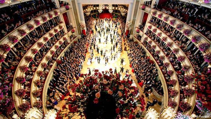 ευτυχισμένο σχολείο το χορό χοροεσπερίδακαλύτερες βρετανικές χριστιανικές ιστοσελίδες dating