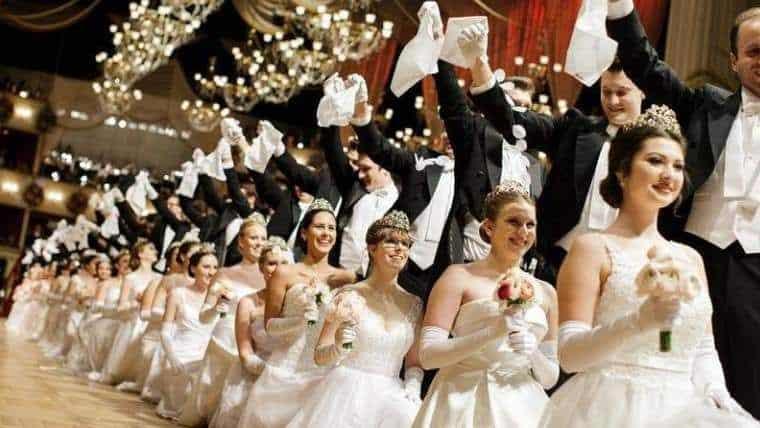 ευτυχισμένο σχολείο το χορό χοροεσπερίδα