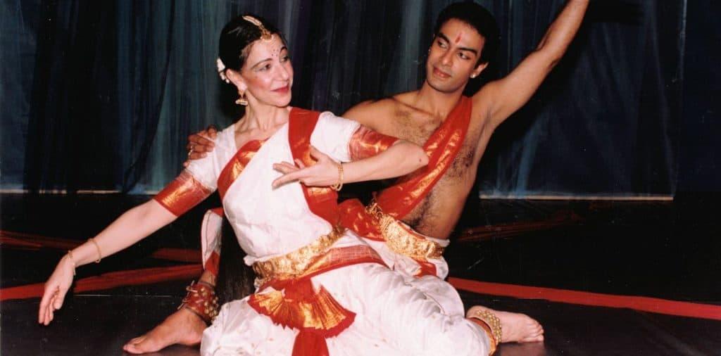 Κλασικός ινδικός χορός μπάρατα νάτυαμ. Η Λήδα Shantala με τον Suresh Shridhar.