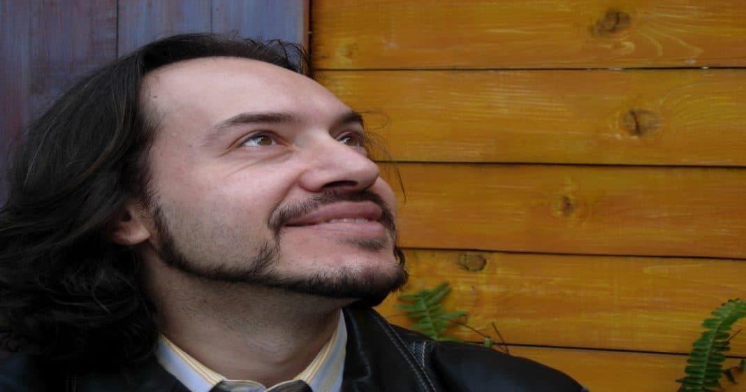 Κερδίστε μία αυτογνωσιακή συνεδρία αστρολογίας με τον Βαγγέλη Πετρίτση PhD!