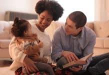 Συμβουλές σε γονείς πως να μιλήσουν στα πααιδια για τον κορωνοιό