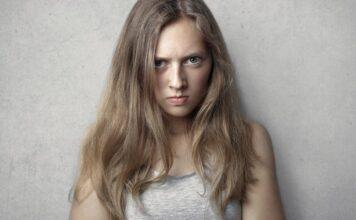 θύμα-θυμωμένο