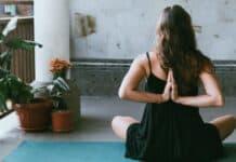 Ποια είναι η δυσκολότερη, εύκολη θέση στην yoga;